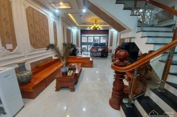 Bán nhà đường Lê Đức Thọ - khu sầm uất - nội thất đẳng cấp - DT 110m2 - giá 10,8 tỷ