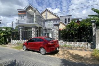 Chính chủ cần bán căn biệt thự nhà vườn siêu đẹp giá rẻ tại Thanh Phú - Bến Lức - LH 0966448844