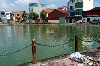 Bán nhà tại Cự Khối, Long Biên, DT 50m2, 3,5 tầng, view hồ lớn, đường 8m, kinh doanh tốt
