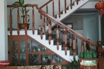 Cần bán nhanh nhà 3 tầng sau lưng nhà mặt tiền Nguyễn Như Hạnh ô tô vào tận nhà. 0968200400