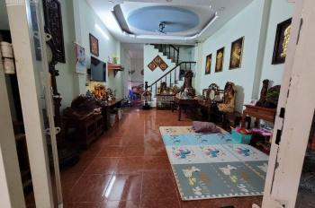 Bán nhà đường Nguyễn Văn Quá, Q12 DT 4,5x14m đúc 1 tấm. Đang cho thuê 8tr/ tháng, giá 3 tỷ 4 còn TL