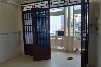 Căn góc 50 m2 chung cư 830 Sư Vạn Hạnh, nội thất đầy đủ