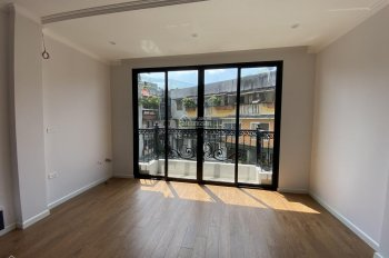 Cho thuê nhà ngõ 19 Liễu Giai 40m2 x 5T có thể thông sàn hoặc chia phòng theo ý khách. 14tr/tháng