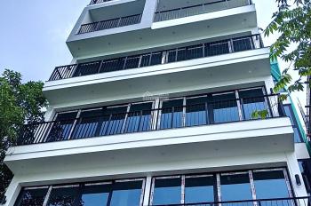 Bán nhà mặt Hồ Tây ba mặt thoáng 6 tầng, ô tô vào tận nhà, tiềm năng ba mặt kinh doanh
