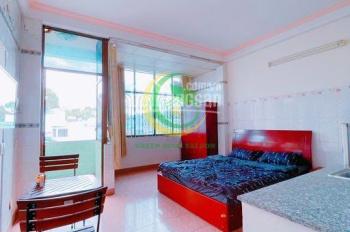 Phòng ngay góc Lê Đại Hành giao Lãnh Binh Thăng, trung tâm Q11, full nội thất, thang máy, ban công