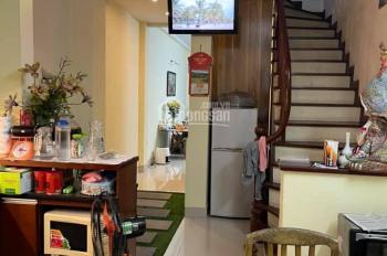 Chủ bán gấp nhà Kim Mã Thượng - Ba Đình. Cách mặt ngõ 30m DT 60m2 giá chỉ hơn 80tr/m2 nhà gần phố