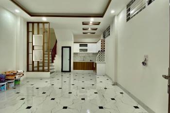 Bán nhà phố Giáp Bát, DT 45m2 x 5 tầng xây mới căn góc nhà 2 mặt ngõ, nội thất cao cấp