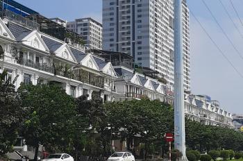 Cần bán khách sạn phố cổ DT 560m2 mặt tiền 16 m. DT sử dụng 8000m2 55 phòng và 5 phòng penhouse