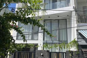 Bán nhà 3 tầng ngõ trung tâm, đậu ô tô trước nhà, vào là ở, chính chủ để lại full trang thiết bị