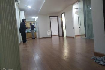 Cho thuê căn N07.B3 gần công viên Cầu Giấy 87m2 2PN, đã có sẵn: Sàn gỗ, điều hòa, tủ bếp, nóng lạnh