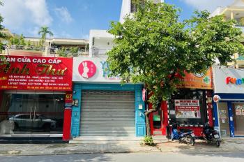 Bán nhà giá tốt có thu nhập đường Thảo Điền: DT 108m2 giá 23.5 tỷ - LH: 0932777828