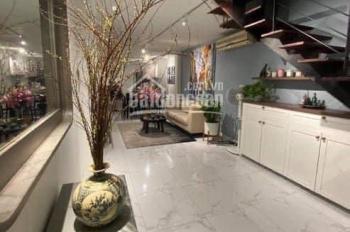 Bán gấp nhà Thái Hà giá 215tr/m2