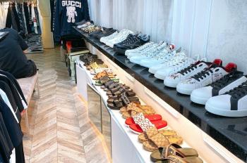 Chính chủ sang nhượng shop thời trang, vị trí 5*, đối diện chợ Hàng Da. LH 0902246699