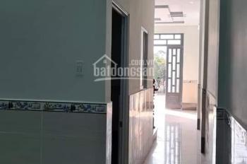 Cần Bán Nhà 1 trệt 1 lầu,2PN,2WC, kế chợ Hưng Long. DT 4.5x16m, Giá 1.750 tỷ. LH: 0777408049 Tuấn