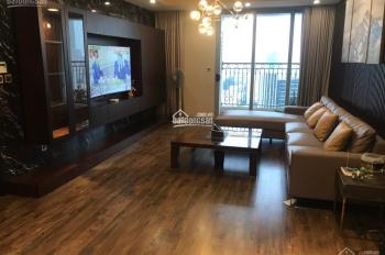 Cần bán gấp CHCC Indochina Plaza 241 Xuân Thủy, Cầu Giấy, Hà Nội. DT 202m2, 4PN đẹp xịn giá rẻ
