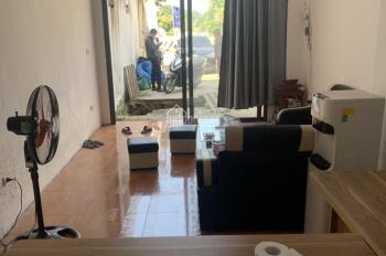 Cho thuê nhà ngã 3 chợ Vị Thủy đối diện Thế giới Di động, nhà mới sửa sạch đẹp