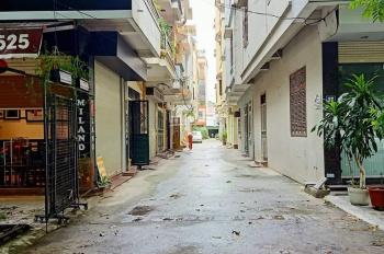 Cần bán gấp nhà Yên Xá Thanh Trì Hà Nội, diện tích 55m2, MT 4m giá hơn 2 tỷ. Nhà hai mặt thoáng
