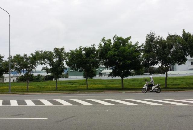 Bán đất khu công nghiệp Sóng Thần 3, giá 1.78 triệu/m2. DT 1 ha - 50 ha, giao thông thuận lợi
