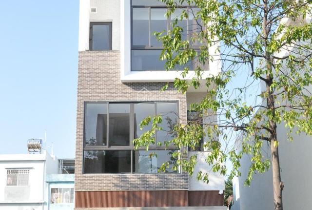 Nhà đẹp 30/4, full nội thất cơ bản, 11 phòng căn hộ cho thuê, 135m2, chỉ 18 tỷ đồng