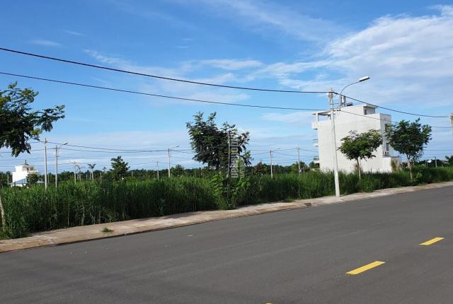 Cần chuyển nhượng 2 lô đất có sổ vị trí đẹp tại kdc SaiGonvillage.
