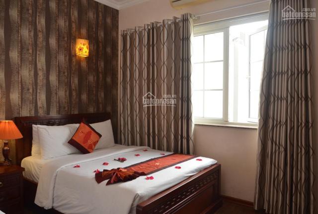 Bán khách sạn phố cổ mặt phố Chân Cầm, tổng 15 phòng đang kinh doanh rất tốt. LH 0912264612