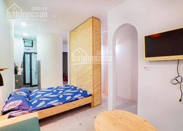Cho thuê căn hộ chung cư dạng Studio full đồ mặt phố Đông Các