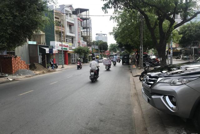 Cho thuê nhà MT sầm uất 100 Tân Hương, Q Tân Phú. 4x25m, 3 lầu, 22tr