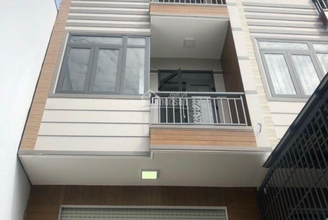 Cho thuê nhà đẹp 1 trệt, 3 lầu MT đường 31 ngay Nguyễn Duy Trinh, Q. 2