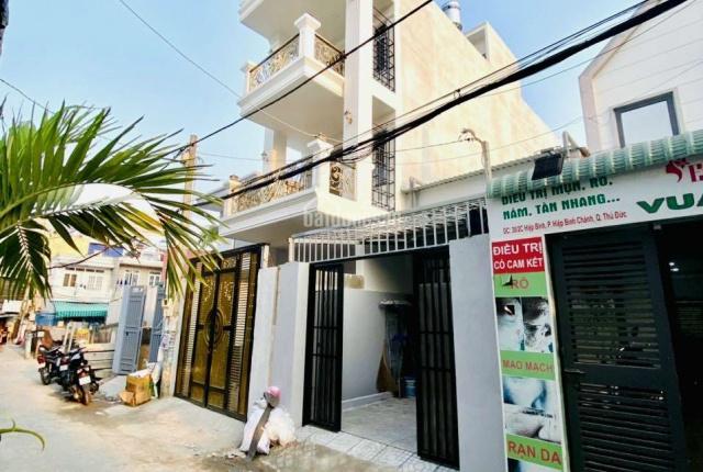 Bán nhà ngay chợ Hiệp Bình, P. Hiệp Bình Chánh (TP. Thủ Đức) DTSD 240m2, nhà mới full nội thất