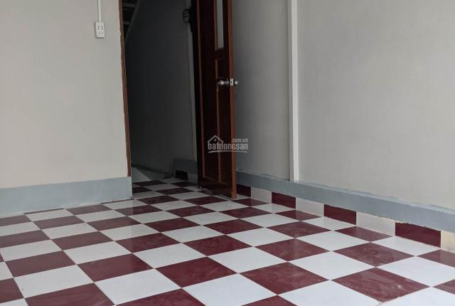 Cho thuê nhà nguyên căn 1 trệt, 3 lầu - Nguyễn Biểu, Q5