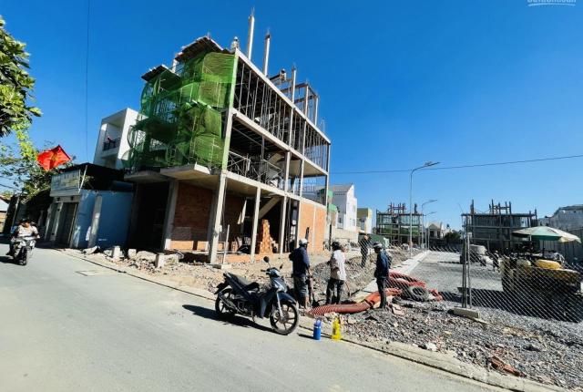 Bán nhà mặt tiền đường, thuận tiện kinh doanh và mở văn phòng. DT: 5x18m