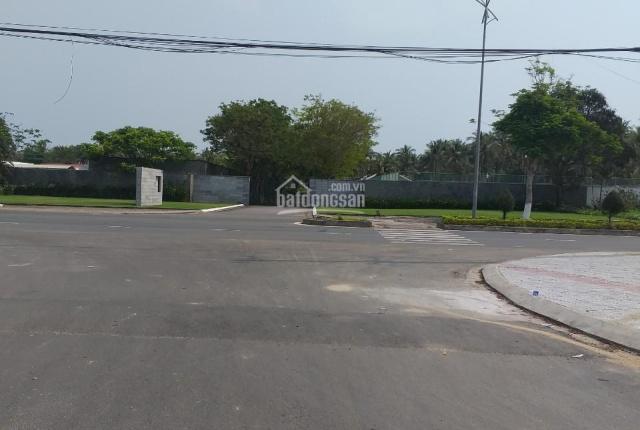 Đất chính chủ cần bán đường 13,3m khu resort Năm Hải Hội An, trước mặt là công viên
