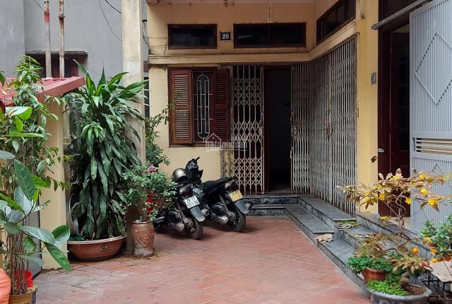 Chính chủ bán nhà đất 95m2 * 3 tầng số 20 ngõ 702 Nguyễn Văn Cừ, Long Biên, gần cầu Chui đường 5
