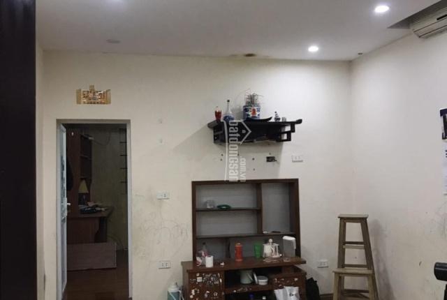 Bán nhà tập thể Phương Mai, quận Đống Đa DT 28m2, ngay trung tâm, ban công dài 3 mặt thoáng