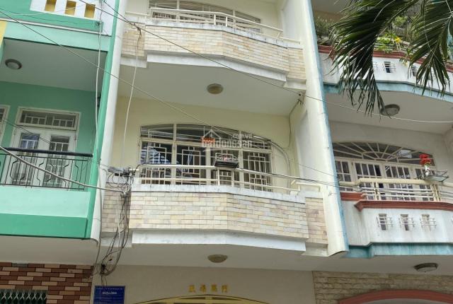 Cho thuê nhà có thang máy Cao Lỗ, Q. 8