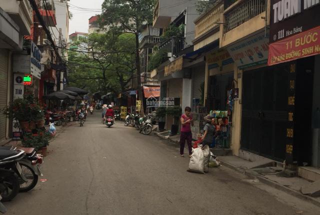 Bán nhà đất mặt phố Hoa Bằng, Cầu Giấy kinh doanh sầm uất. Diện tích 61m2, giá 9 tỷ