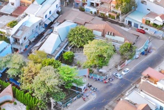 Hàng vip, bán nhà đất biệt thự tặng nhà lầu kế bên quảng trường tỉnh