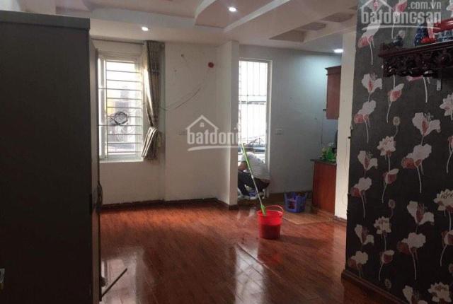Chính chủ cho thuê căn hộ chung cư Nguyễn Khánh Toàn, DT 45m2, full nội thất, giá siêu tốt