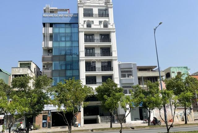 Cho thuê nhà 9 lầu DT 8x20m MT Võ Văn Kiệt Q1