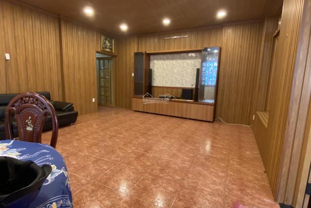 Nhà HXH vào tận nhà đường Phan Văn Trị: 6x30m trệt lầu: Giá 25 triệu/tháng