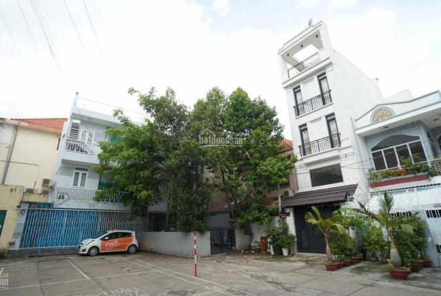 Cần bán nhà riêng 4 tầng mới 99%, diện tích 118m2, nằm ở trung tâm, hẻm xe hơi, phù hợp kinh doanh