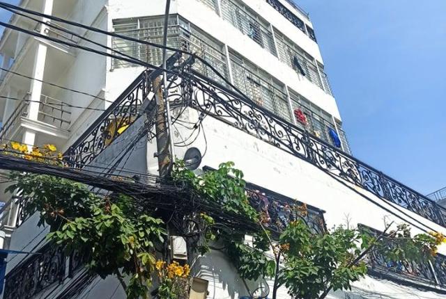 Bán nhà Tây Thạnh, Tân Phú 170m2 1 trệt 3 lầu sẵn HĐT 130tr/tháng giá chỉ 17,9 tỷ