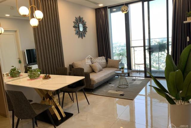 Cần bán căn 2 phòng ngủ Vinhomes Golden River, giá chỉ 6,9 tỷ. LH: 0945496651