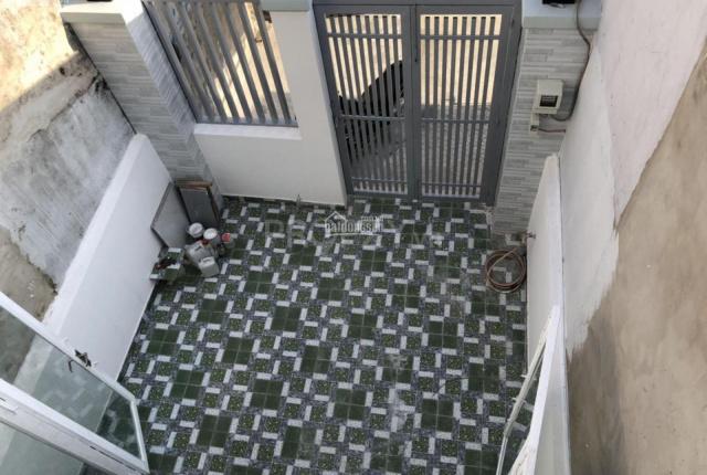 Chính chủ gửi bán gấp nhà mới xây 4.16mx11.80m có sân thượng đối diện chợ Bình Chánh- LH 0902882983