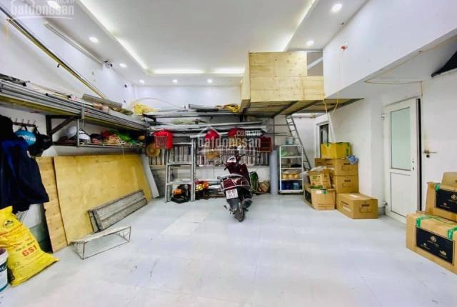 Cần bán nhà Trần Thái Tông, 30m ra ô tô quay đầu, 37m2, 3.7 tỷ