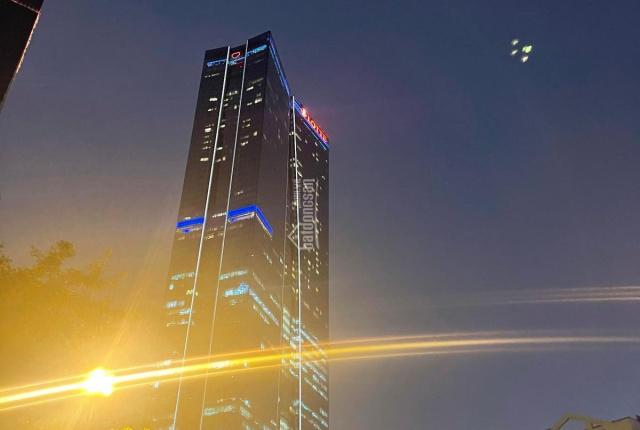 Phố Nguyễn Du 1 bước sang Hoàn Kiếm. Building 11 tầng, 180m2, mà có nhỉnh 65 tỷ