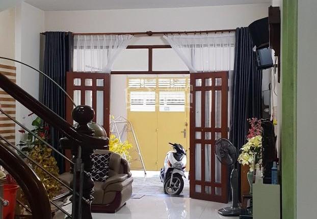 Nhà đẹp 3 tấm ngay ủy ban phường Thống Nhất