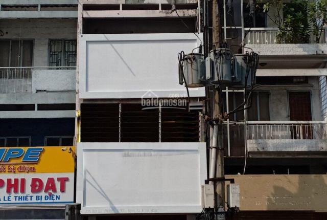 Cho thuê nhà mặt tiền đường Hai Bà Trưng, DT 4x33m, 1 trệt 3 lầu, LH: 0903986677