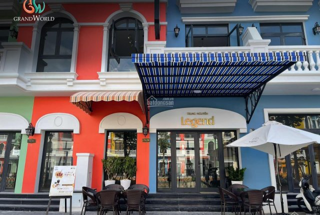 Chính chủ bán căn shophouse mặt sông Venice - Grand World Phú Quốc 81m2, cam kết 2 năm 10%