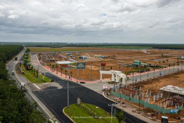 Cần tiền sang nhượng lại nền đất biệt thự 392 m2 đối diện công viên, cách sân bay Long Thành 2km